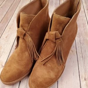 Ugg Genuine Size 10 Fringe Booties
